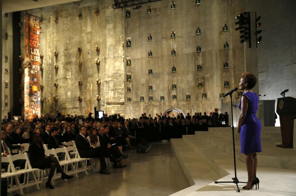 LaChanze sings 'Amazing Grace'
